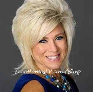 theresa caputo hairstyle theresa caputo in long island medium tlc long hairstyles