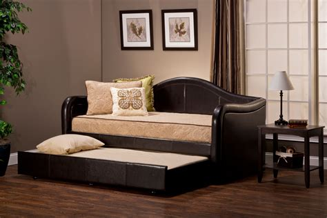 Pull Out Daybed Hillsdale Brenton Daybed With Pull Out Trundle Brown Vinyl 1719dbt Hillsdalefurnituremart