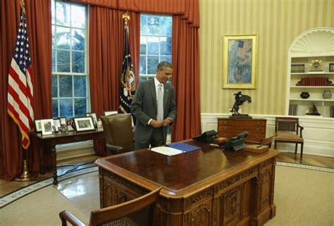 Desk In White House Oval Office The White House Wants 700k For Standing Desks The Atlantic