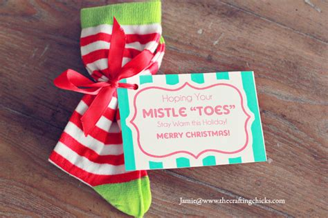 sock gift exchange mistle quot toes quot socks gift tag free printable the crafting