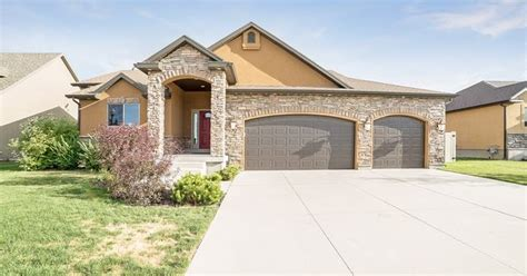 3 bedroom 2 bathroom homes for sale locate utah homes spacious 3 bedroom 2 bathroom 3 car garage rambler for sale in salt lake city