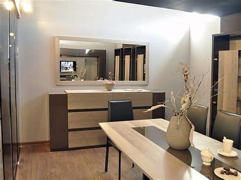 weiße stühle esszimmer bett im wohnzimmer ideen