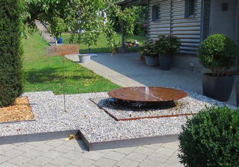 wasserschale garten wasserschalen und gartenbrunnen aus metall