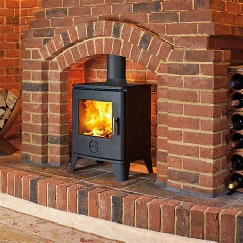 Clean Burning Fireplaces by Artisan Sirius 490 Cleanburn Stove Artisan