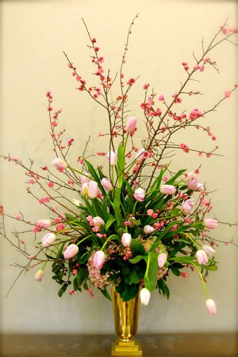 tulips arrangements gardens beautiful and floral arrangements on pinterest