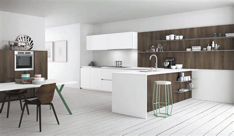 cucine a l cucine effetto legno per un ambiente caldo ed elegante