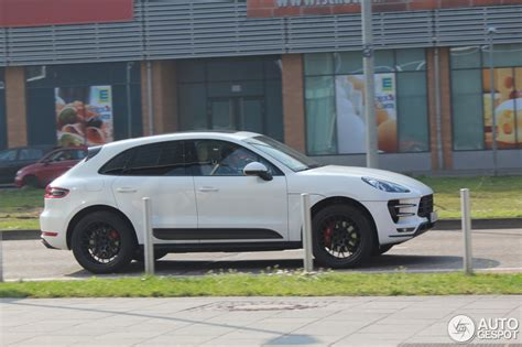 porsche macan white white macan turbo black rs spyder design wheels