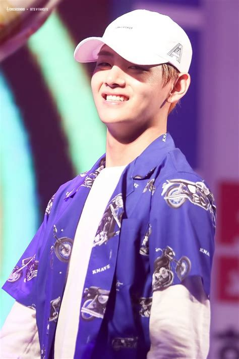 kim taehyung smile 크레센도 on bts happy and smile