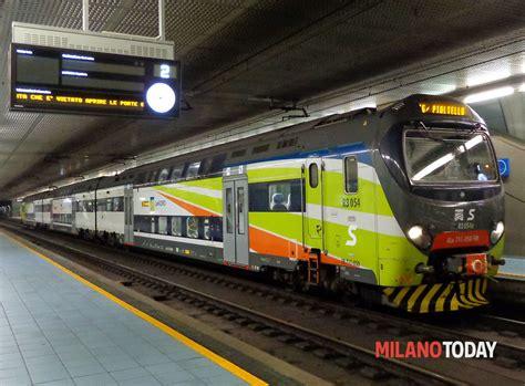 stazione carabinieri porta garibaldi si masturba sul passante ferroviario davanti ad