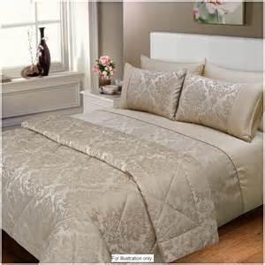 Duvet Clearance Elizabeth Jacquard Damask Bedspread Gold Bedding