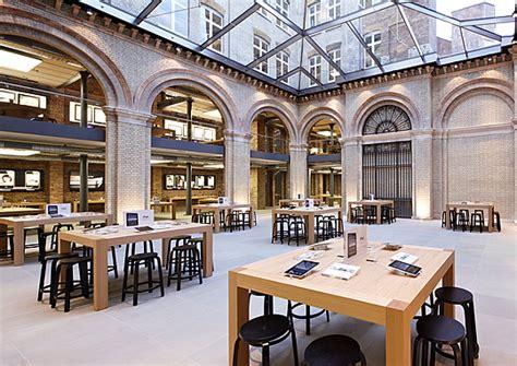 World Best Home Interior Design First Customer In Line At Apple Covent Garden