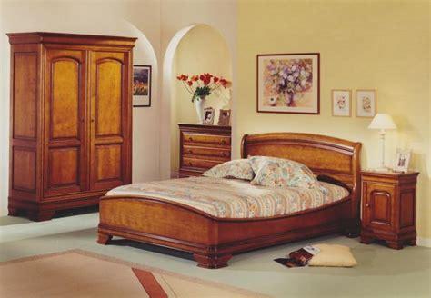 décoration chambre meuble merisier