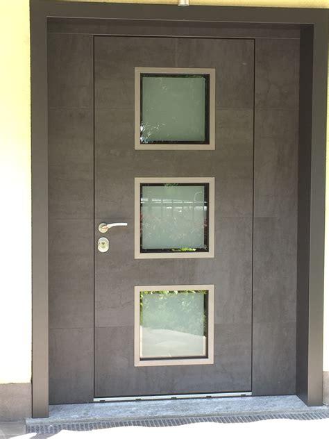 porte d ingresso blindate porta d ingresso blindata con pannelli in vetro frame by