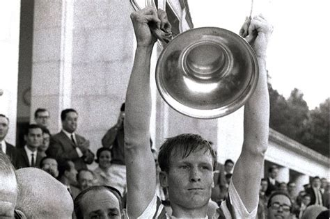 celtic given goahead to erect statue of billy mcneill