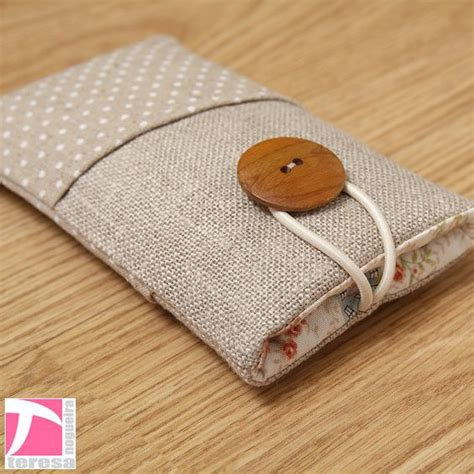 how to make a mobile cover with cloth fabric iphone 5 iphone 4 ipod sleeve cell phone protector white polka dots