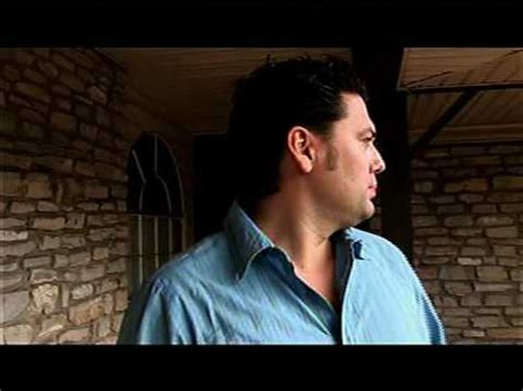 flipping houses watch me flip this house youtube armando montelongo in flip this house funny the cat