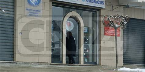 ufficio per l impiego cosenza assenteismo arrestati 11 dipendenti comune di pedace