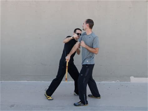 self defense the ultimate guide to beginner martial arts techniques books the ultimate guide to weapon use and defense