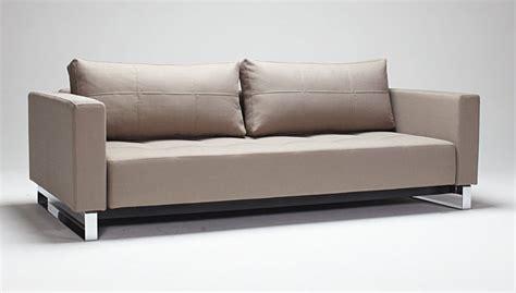 Kissen Um Aus Bett Sofa Zu Machen by Bett Mit Sofa With Bett Mit Sofa Das Bild Wird