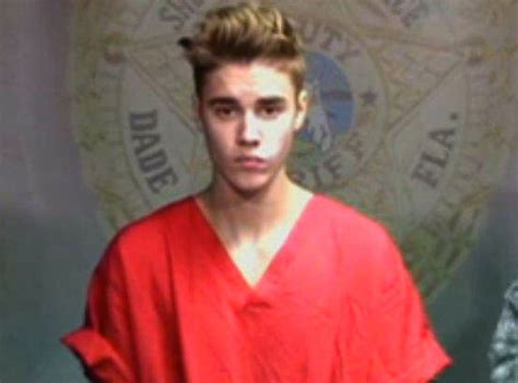 justin bieber s eyes when arrested breaking news justin bieber escapes jail after being