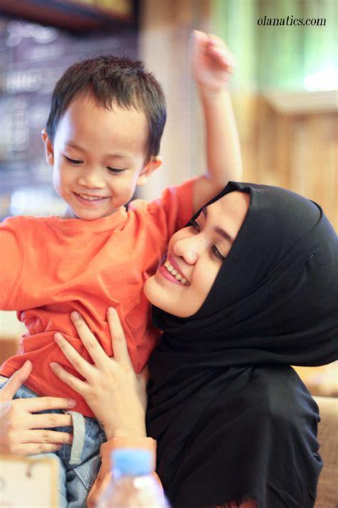 perkembangan bayi usia 8 bulan priyayialitblogspotcom perkembangan anak usia 2 tahun 10 bulan ola aswandi