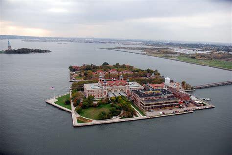 Ellis Island Search Ellis Island Porte De L Am 233 Rique Francais New York Travail New York