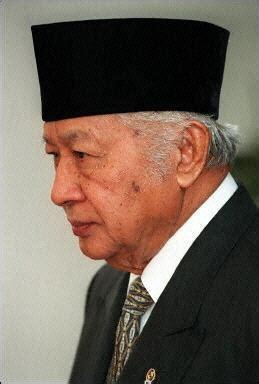 Anak Desa Biografi Presiden Soeharto 1 301 moved permanently