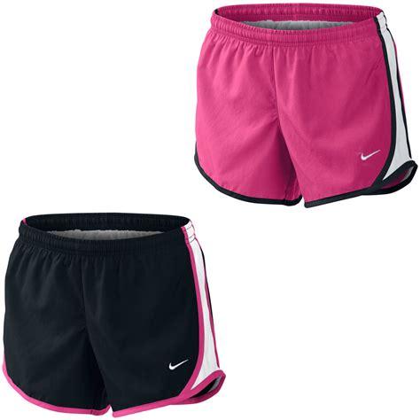 pantalon corto chica wiggle espa 241 a pantal 243 n corto para chica nike tempo