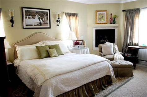 Simple Small Master Bedroom Designs Top Secrets On How To Make Small Master Bedrooms Look
