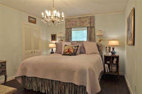 elegant master bedroom decorating ideas tips for decorating a small bedroom as master bedroom