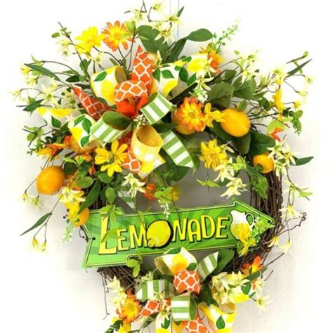 wreath making   choose colors   deco mesh