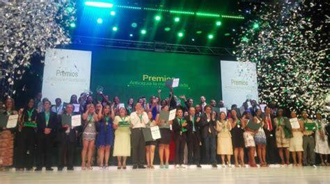 institucion educativa nancy rocio garcia antioquia entreg 243 los premios a los mejores de la