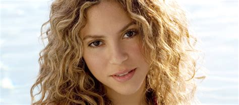 famous hispanic people shakira shakira a colombian singer and songwriter donquijote