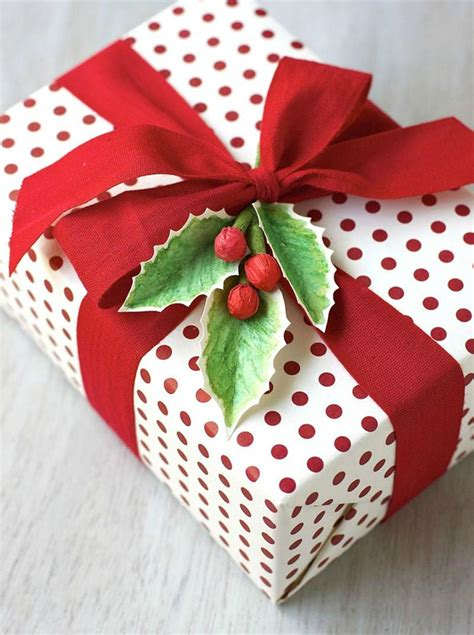 wrapping present easy christmas gift wrapping ideas quiet corner