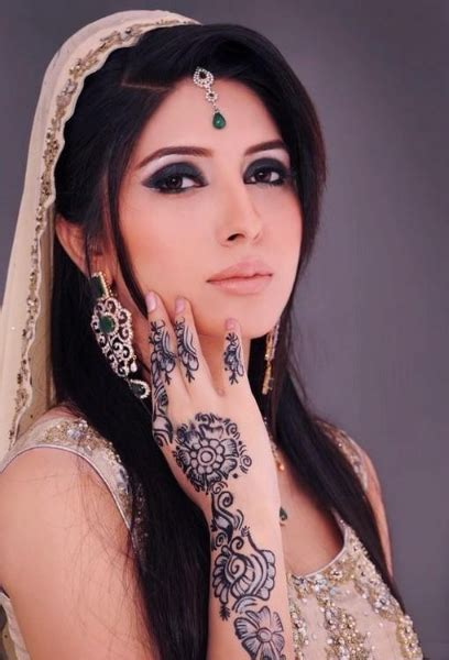 henna tattoo girl 75 beautiful mehndi designs henna desiznworld