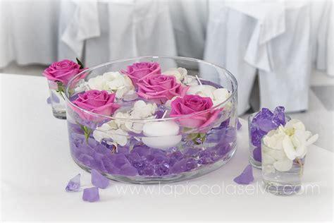 fiori galleggianti centrotavola decorazioni organizzazione matrimonio