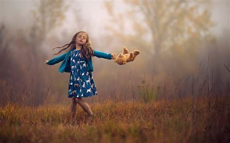 lovely small girl feelings happiness   new hd wallpapernew hd wallpaper