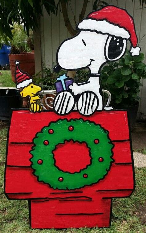 the 25 best snoopy christmas decorations ideas on