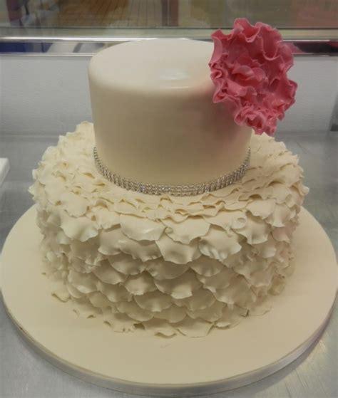 Evanesce Ivory Sponge 3 Sets ivory ruffles with a pink flower wedding ideas wedding cake sponge and