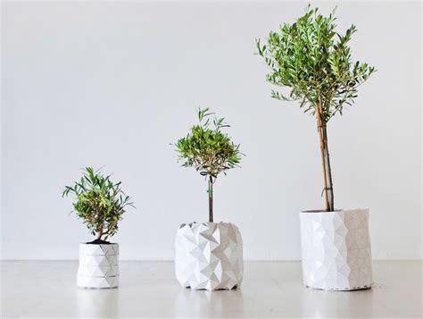 Pot Design Pour Plante Interieur by Un Ing 233 Nieux Pot Qui Se D 233 Ploie Pour Suivre Le