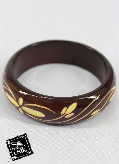 Gelang Etnik Murah gelang kayu ukir klasik motif bunga gelang etnik murah batikunik