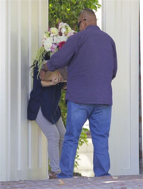 jim carrey s house flowers being delivered to jim carrey s house general views zimbio