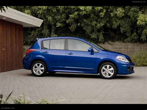 nissan versa blue nissan versa 1 8 2010 exotic car wallpaper 09 of 22