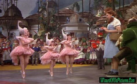 Welcome To Oz Dorothy by 17 Best Images About The Wizard Of Oz 1939 On