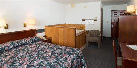 tub hotel rooms hotel room in townsend tn with whirlpool tub and balcony