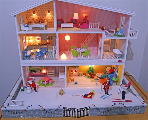 dolls house collectors a doll house that fascinates adult collectors children alike giveaway