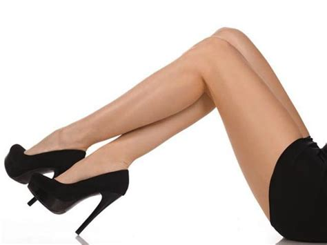 Ways To Make Your Legs Look Fuller by 7 Ways To Highlight Your Features With Gold Eye Shadow