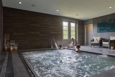 largest freestanding day spa  texas