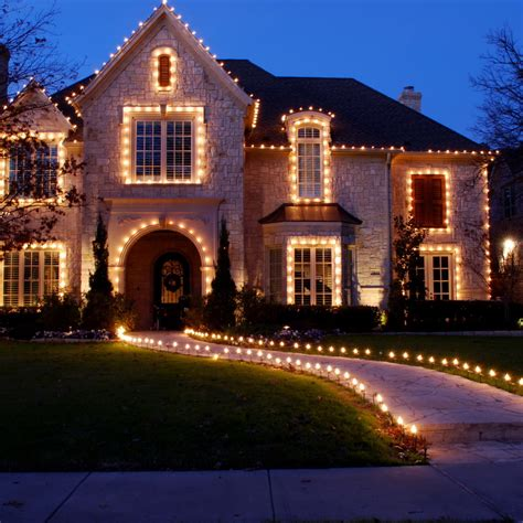 white lights on house 50 spectacular home lights displays style estate