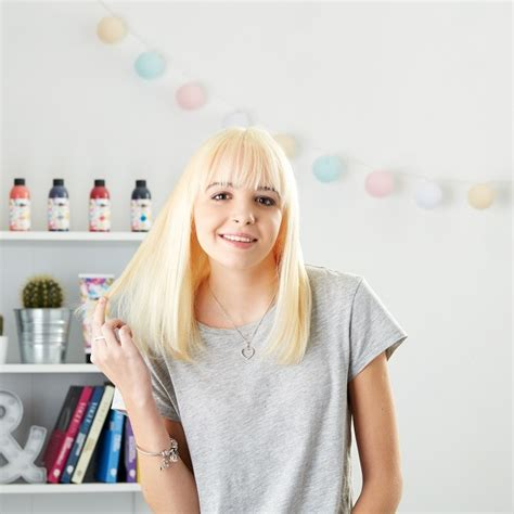 how to hair using a blonding kit at home